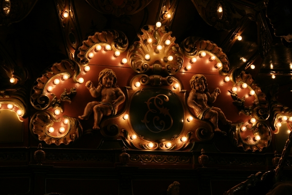 Lights of the merry-go-round