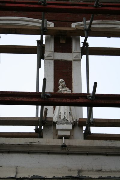Statue of Maria on a restauration project
