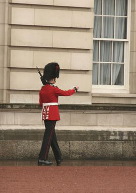 London - the guard moved!