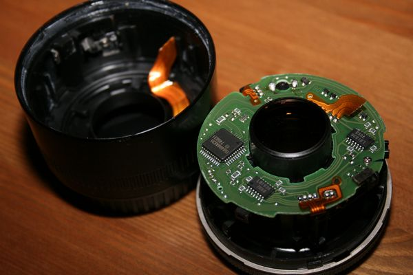 Canon EF 50mm f1.8 lens broken in two