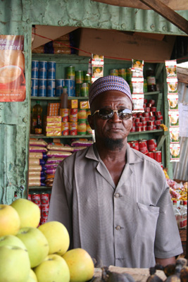 Salesman at the Petit Marché in Niamey (Niger)