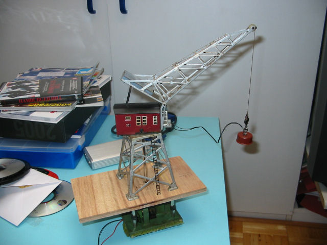 how to make electromagnetic crane model