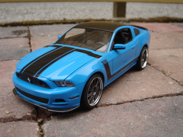 view topic revell 2013 ford mustang boss 302. Black Bedroom Furniture Sets. Home Design Ideas